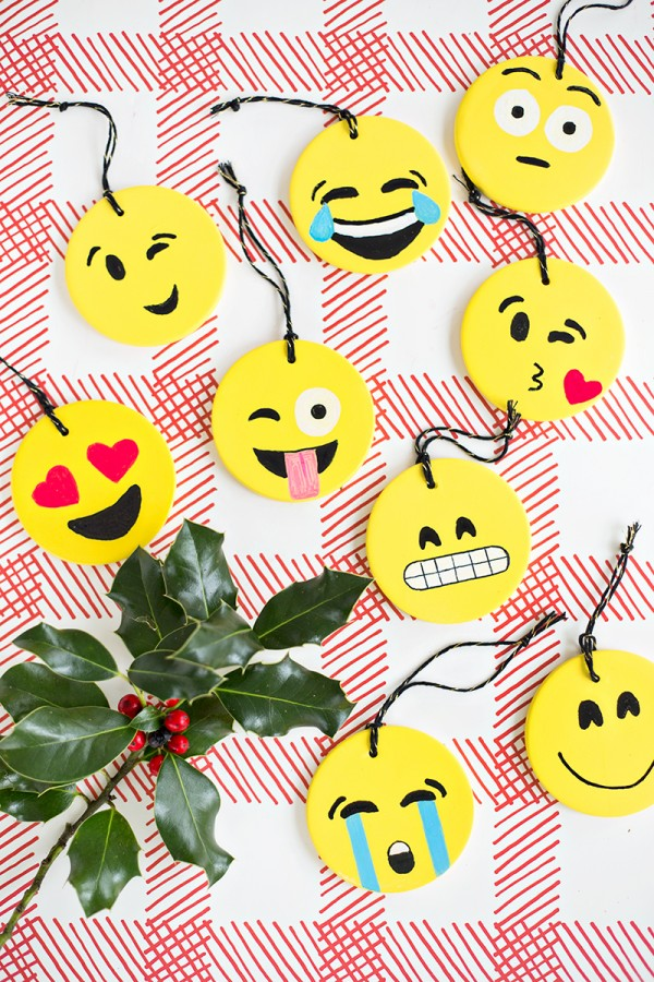 DIY: Emojis divertidos para enfeitar a sua árvore de natal
