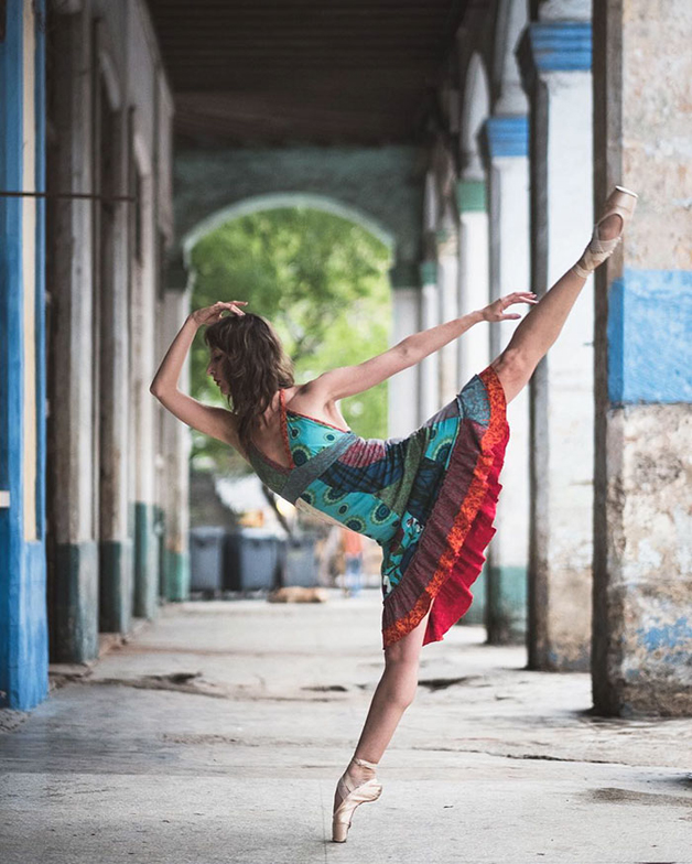 ballet-dancers-cuba-omar-robles-19-5714f5cb337b4__700