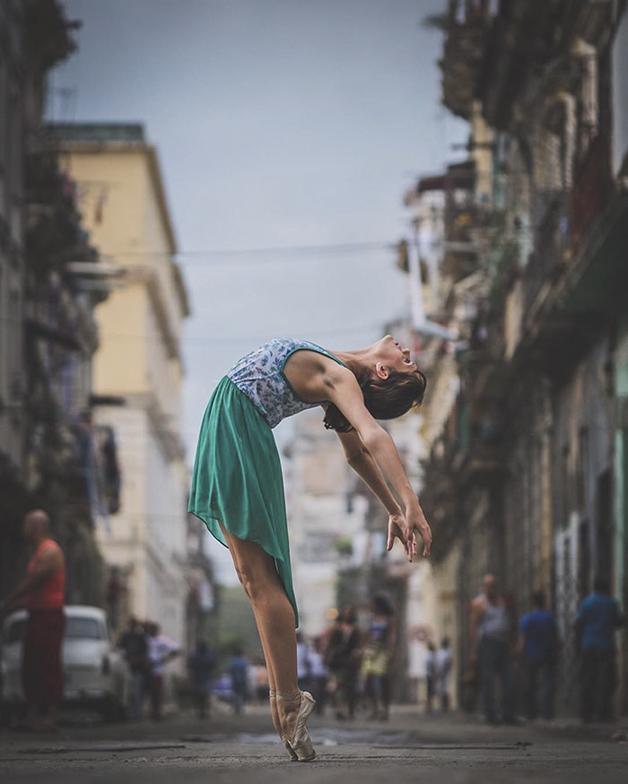 ballet-dancers-cuba-omar-robles-7-5714f5df2c1ca__700
