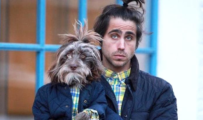 Fofura: cachorrinho e dono usam roupas iguais!