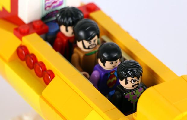 ftc-lego-beatles-yellow-submarine-02