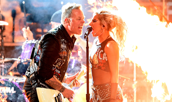 "Lady Gaga cantou ""Moth into Flame"" com Metallica no Grammy 2017"